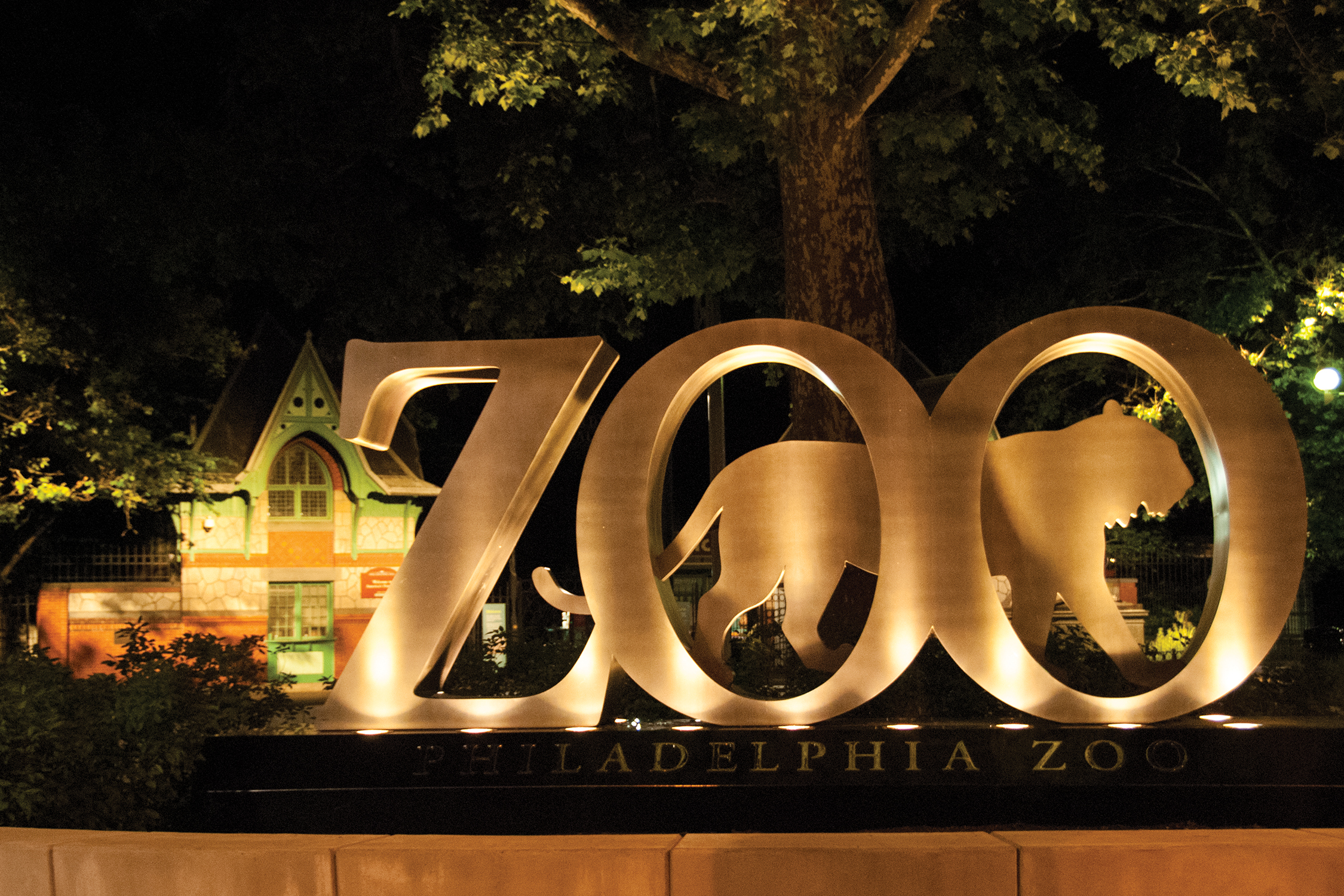 34th and Girard Zoo Sign